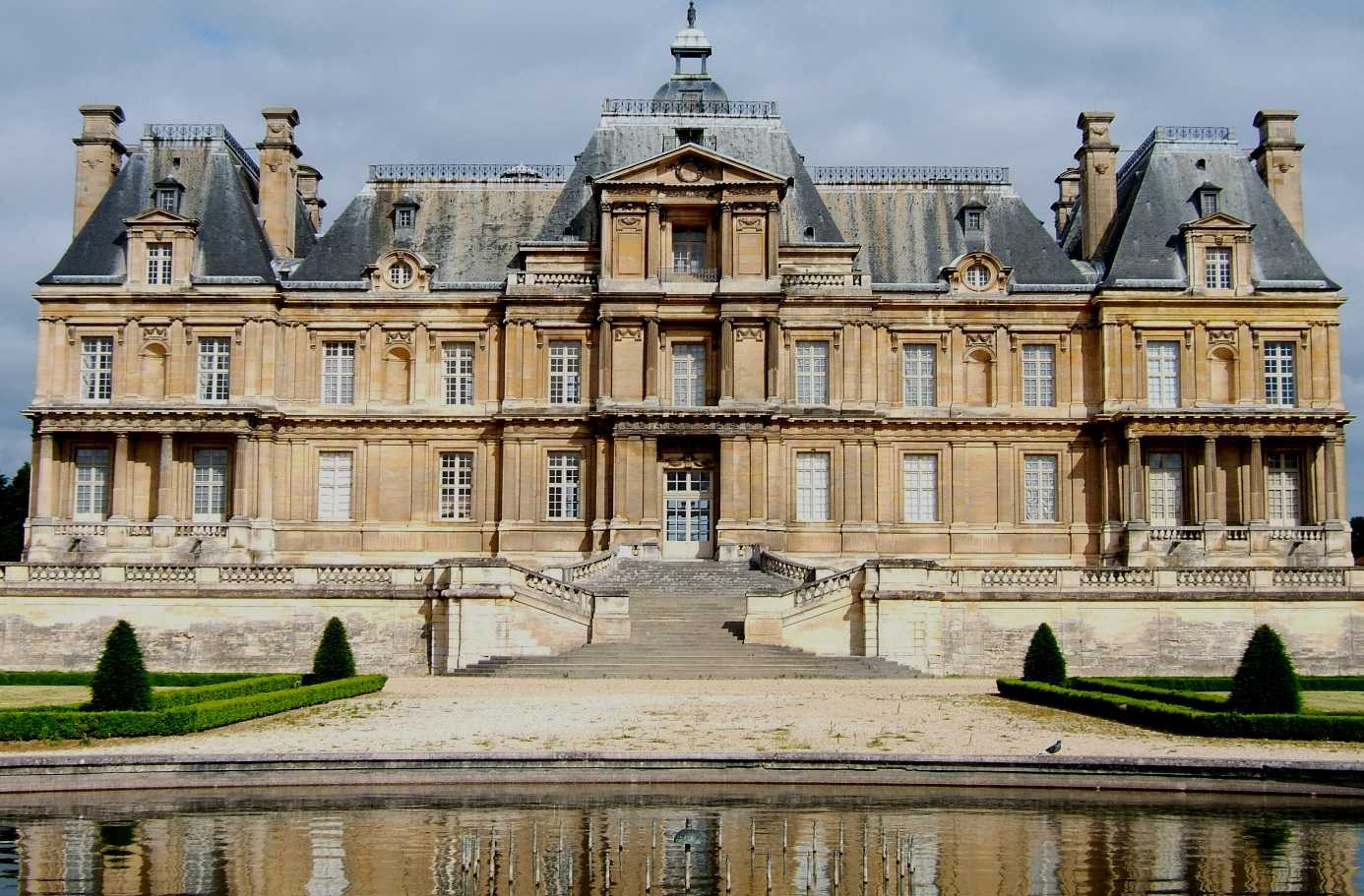 Chateau cote jardins-maisonslaffitte-lannes