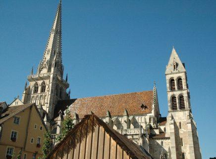 Cathedrale-st-lazare-d-autun-et-les-hauts-quartiers