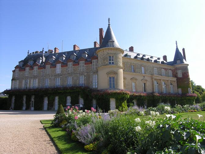 Facade-du-chateau-de-Rambouillet-Rambouillet-Napoleon