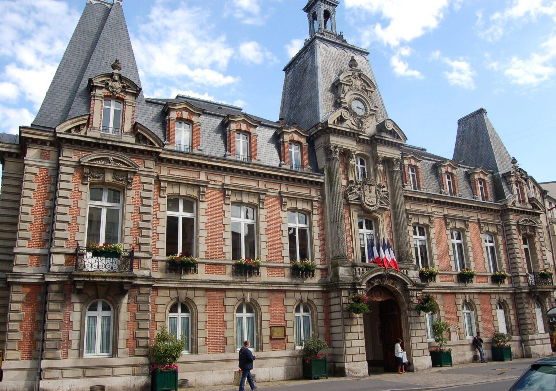 Hotel de ville-fontainebleau-napoleon III